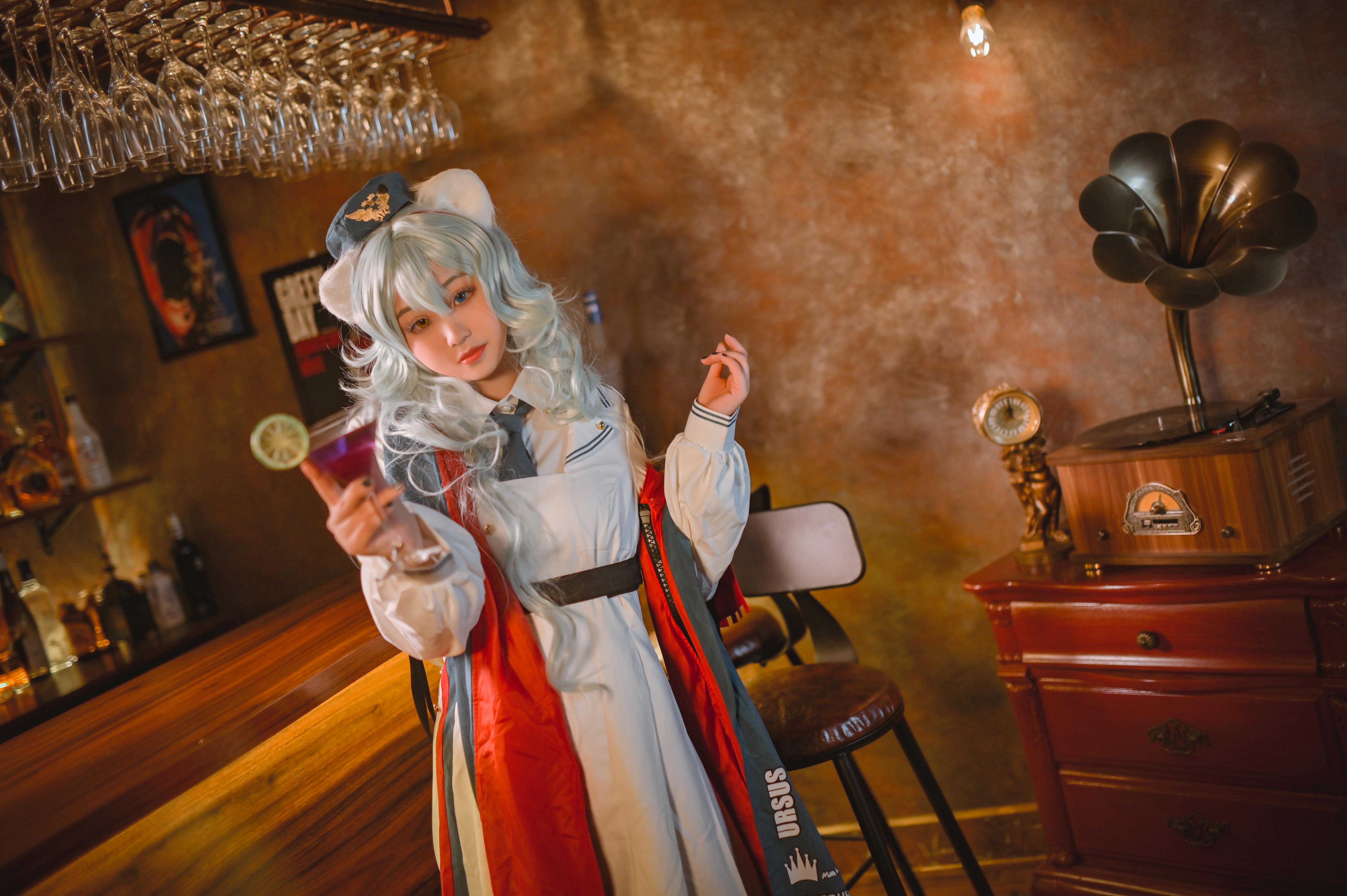 《明日方舟》正片cosplay【CN:魔法少女离酱】-第2张