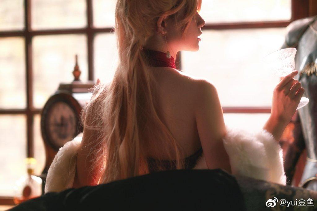 yui金鱼少女前线ots-14性感礼服cos美图分享 (9P)-第2张